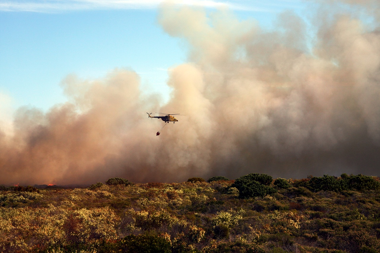 A photo of a bush fire helicopter